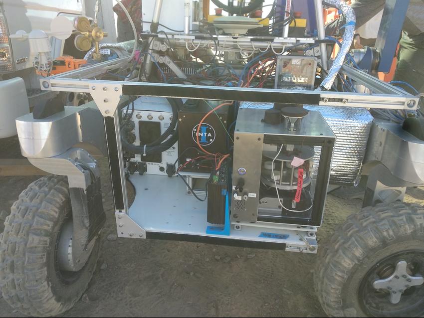 SOLID integrado en el Rover ARADS_2019 durante la campaña al Desierto de Atacama (Chile).